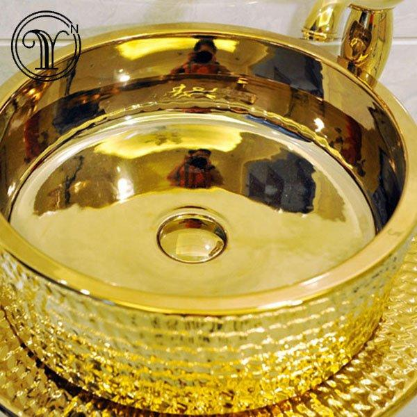 2018 new designs of morden luxury gold basins set in Iran